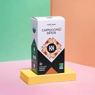 Un cappuccino detox (merci les antioxydants présents grâce au café vert) s'il vous plait ! ⠀⠀⠀⠀⠀⠀⠀⠀⠀ En version frappée pour se désaltérer sous ce soleil ☀️⠀⠀⠀⠀⠀⠀⠀⠀⠀ ⠀⠀⠀⠀⠀⠀⠀⠀⠀ Retrouvez Kafé Naka sur le shop avec ce cappuccino latté caramel. Marque française (of course), bio, éthique et qui sait préserver les arômes du café vert : on dit OUI ! 💚⠀⠀⠀⠀⠀⠀⠀⠀⠀ ⠀⠀⠀⠀⠀⠀⠀⠀⠀ Facile à préparer : il suffit juste d'ajouter 2 c. à café de cappuccino à du lait. Et pour sa version frappée on y ajoute des glaçons ! ☕️⠀⠀⠀⠀⠀⠀⠀⠀⠀ ⠀⠀⠀⠀⠀⠀⠀⠀⠀ #morning #coffee #butfirstcoffee #goodmorning #newweek #latteart #barista #color #goodvibes #coffeelover #coffeeshop #creation #art #motivation #cappuccino #kalkcoffeeshop #paris #yummy #work #greenlife #energy #organic #goodfood #healthy #latte